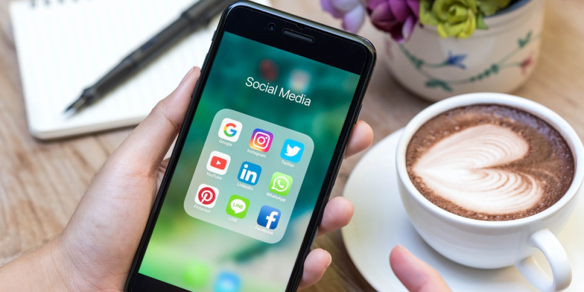 8 Essential Apps to Improve Your Social Media Content