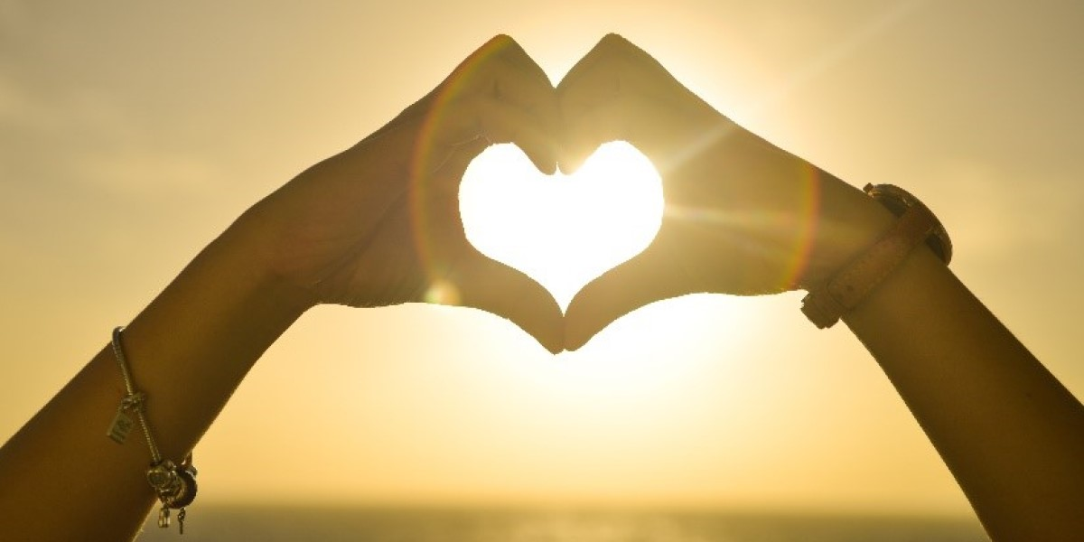 4 Ways to Show Your Social Media Followers Love